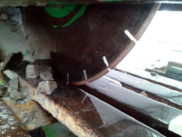marble bridge saw cutting